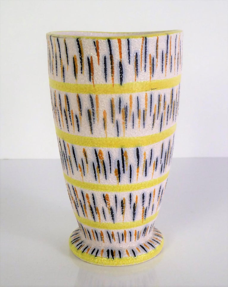 Italian 1960s Mid-Century Modern Pottery Vase Attributed to Aldo Londi for Bitossi For Sale