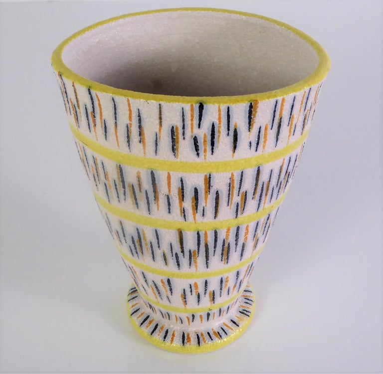 1960s Mid-Century Modern Pottery Vase Attributed to Aldo Londi for Bitossi In Good Condition For Sale In Miami, FL
