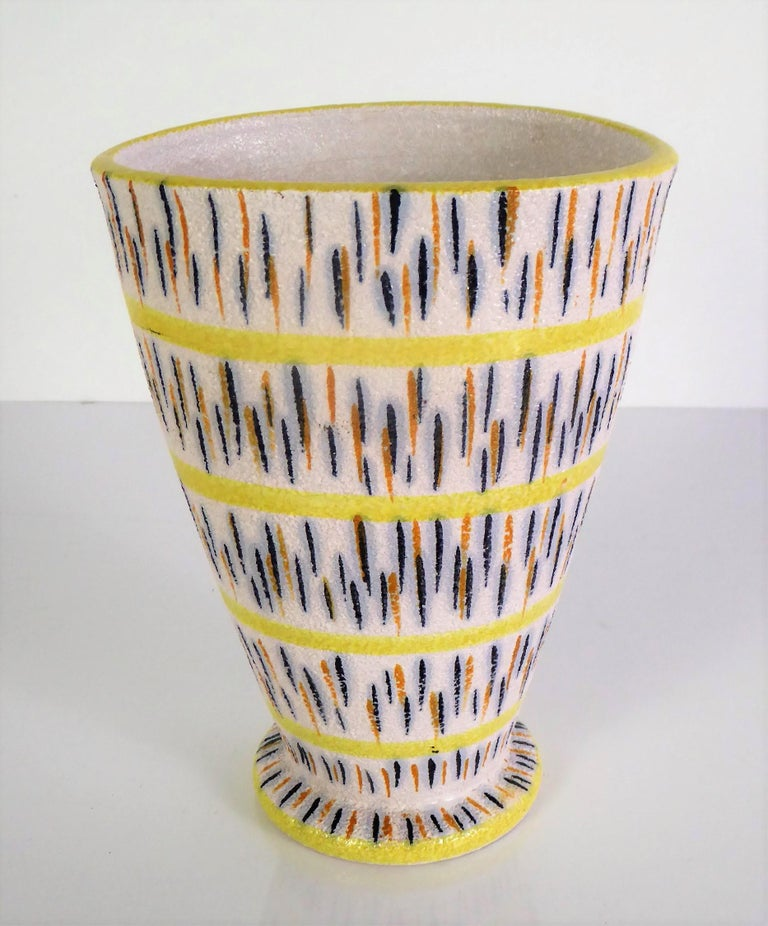 1960s Mid-Century Modern Pottery Vase Attributed to Aldo Londi for Bitossi For Sale 3