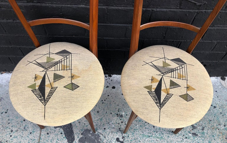 Walnut Pair of 1960s Italian Modern Ladder Back Accent Chairs For Sale