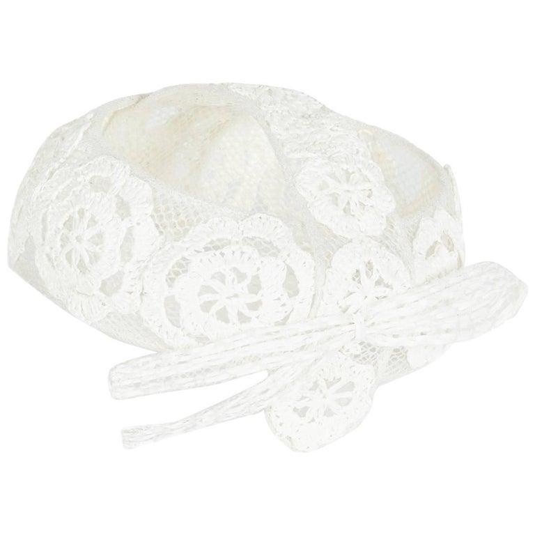 1960s Italian White Raffia Bridal Cap With Floral Design For Sale