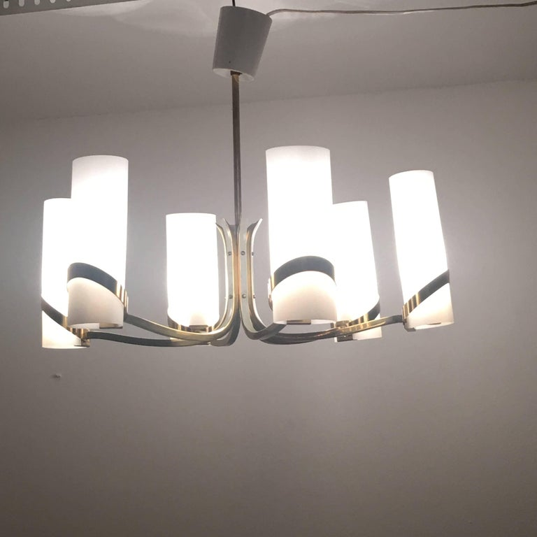 German 60s Max Ingrand style Milk Glass and Brass Chandelier Attributed to Stilnovo  For Sale