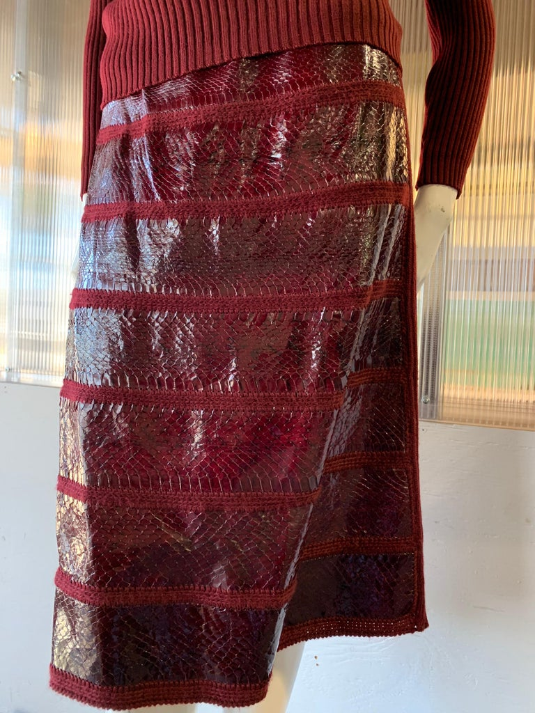 1960s J. Tiktinr 2-Piece Knit Turtleneck Sweater & Snakeskin Skirt In Cranberry  For Sale 5