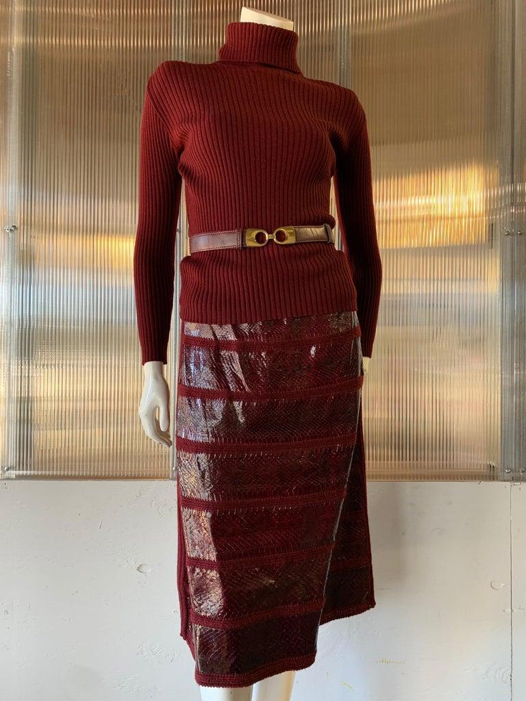 1960s J. Tiktinr 2-Piece Knit Turtleneck Sweater & Snakeskin Skirt In Cranberry  For Sale 10
