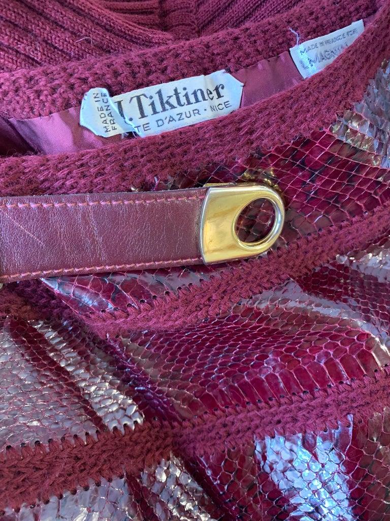 1960s J. Tiktinr 2-Piece Knit Turtleneck Sweater & Snakeskin Skirt In Cranberry  For Sale 12