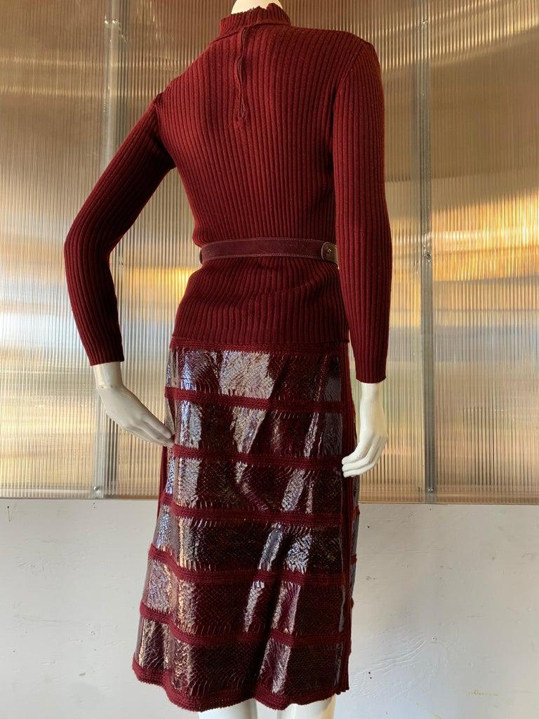 1960s J. Tiktinr 2-Piece Knit Turtleneck Sweater & Snakeskin Skirt In Cranberry  For Sale 1