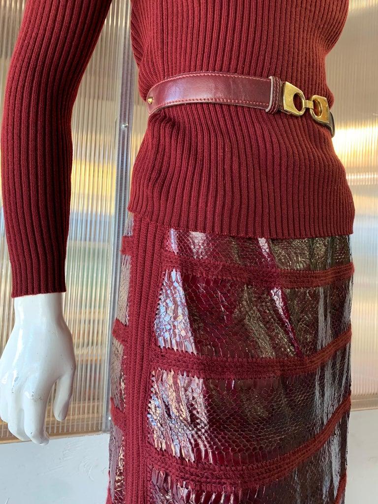 1960s J. Tiktinr 2-Piece Knit Turtleneck Sweater & Snakeskin Skirt In Cranberry  For Sale 4