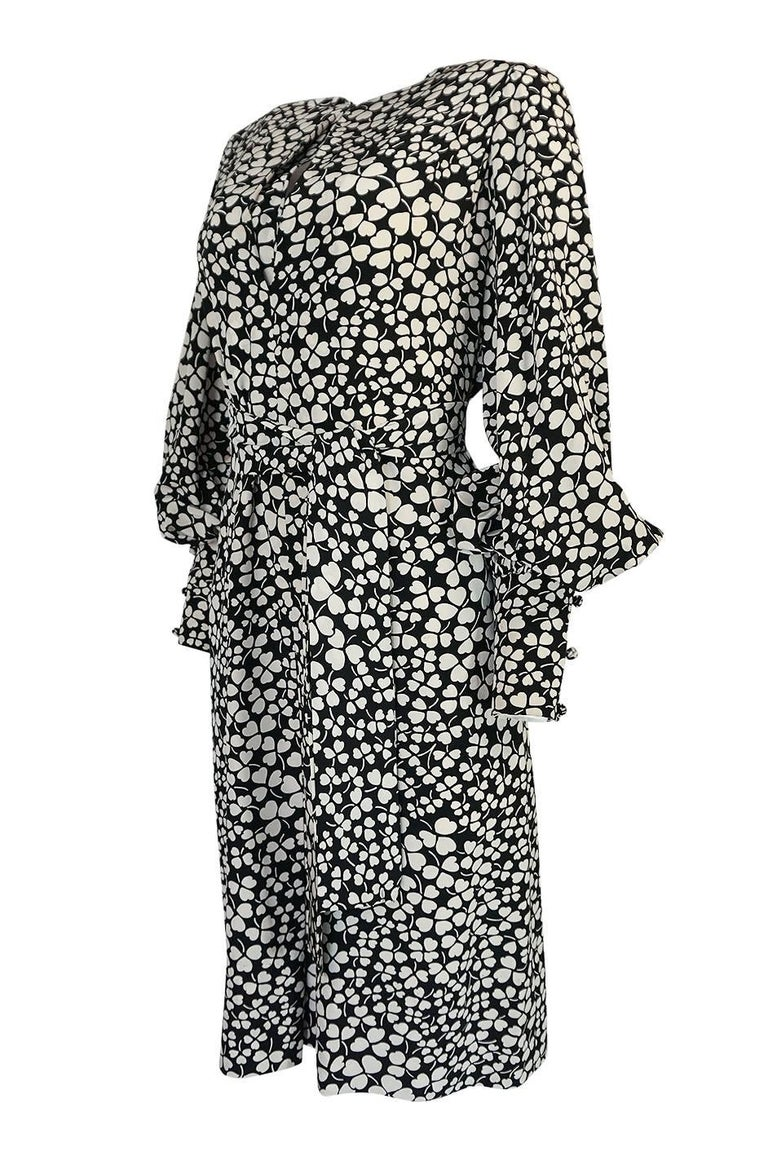 1960s James Galanos Clover & Heart Billow Sleeve Silk Dress In Excellent Condition For Sale In Rockwood, ON