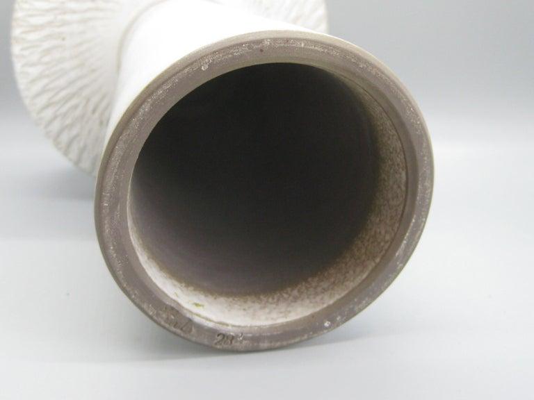 1960s Japanese Modernist Ikebana Ceramic Pottery Sgraffito Pedestal Vase Vessel For Sale 6