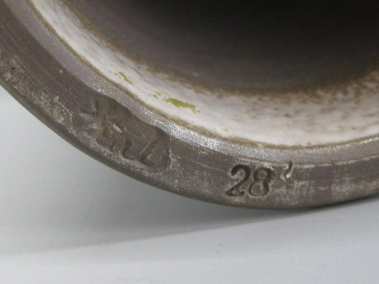 1960s Japanese Modernist Ikebana Ceramic Pottery Sgraffito Pedestal Vase Vessel For Sale 7