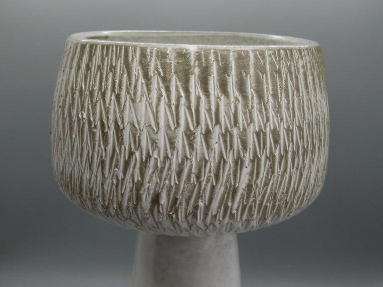 20th Century 1960s Japanese Modernist Ikebana Ceramic Pottery Sgraffito Pedestal Vase Vessel For Sale