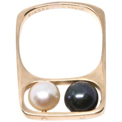 1960s Jean Dinh Van for Pierre Cardin 18 Karat Gold Ring with Movable Pearls