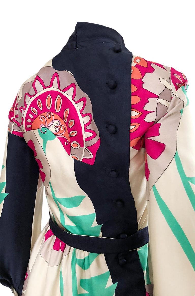 1960s Jean Patou Couture Signed Scarf Print Silk Twill Mini Dress For Sale 4