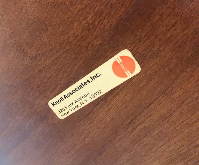 1960s Knoll Saarinen Round Tulip Table For Sale 6