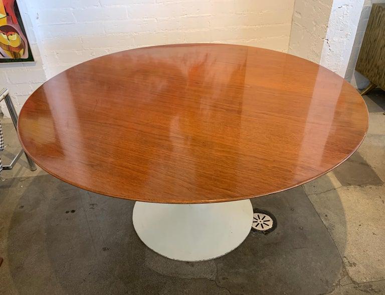 Mid-20th Century 1960s Knoll Saarinen Round Tulip Table For Sale