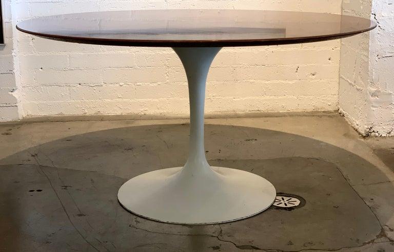 Aluminum 1960s Knoll Saarinen Round Tulip Table For Sale