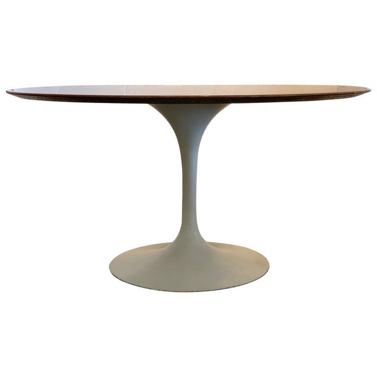 1960s Knoll Saarinen Round Tulip Table For Sale