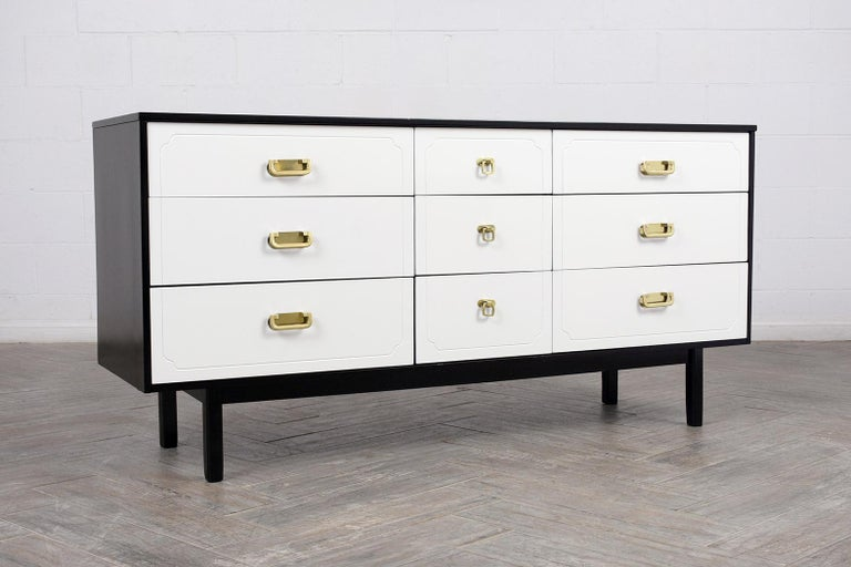 Paint Mid Century Modern White Lacquered Dresser For Sale