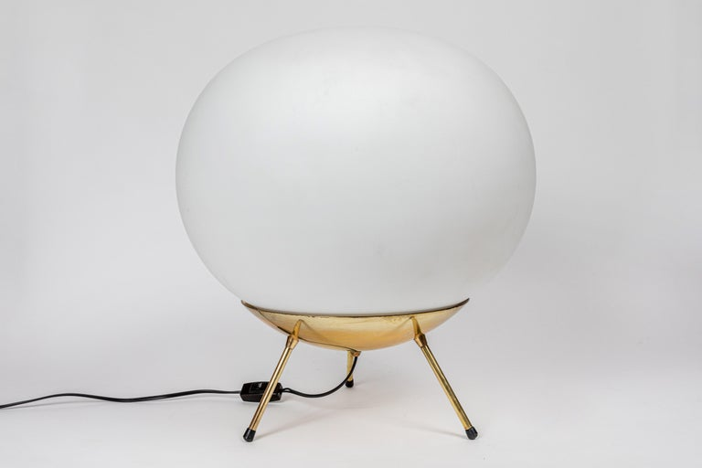 Large 1960s Glass and Brass Tripod Floor or Table Lamp Attributed to Stilnovo In Good Condition For Sale In Glendale, CA