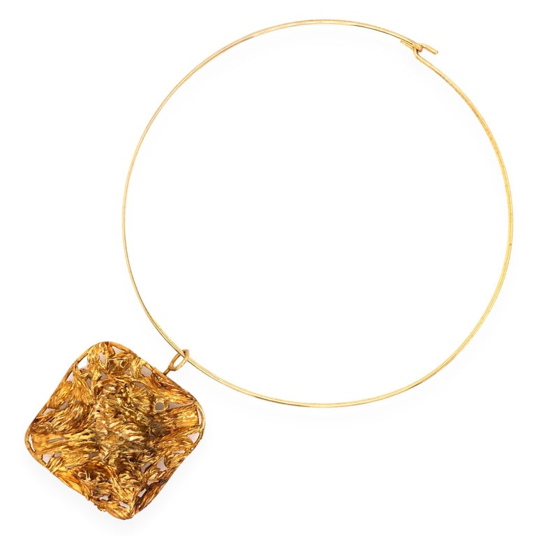 1960s Large Modernist Gold Studio, Jewelry Pendant In Excellent Condition For Sale In Cincinnati, OH