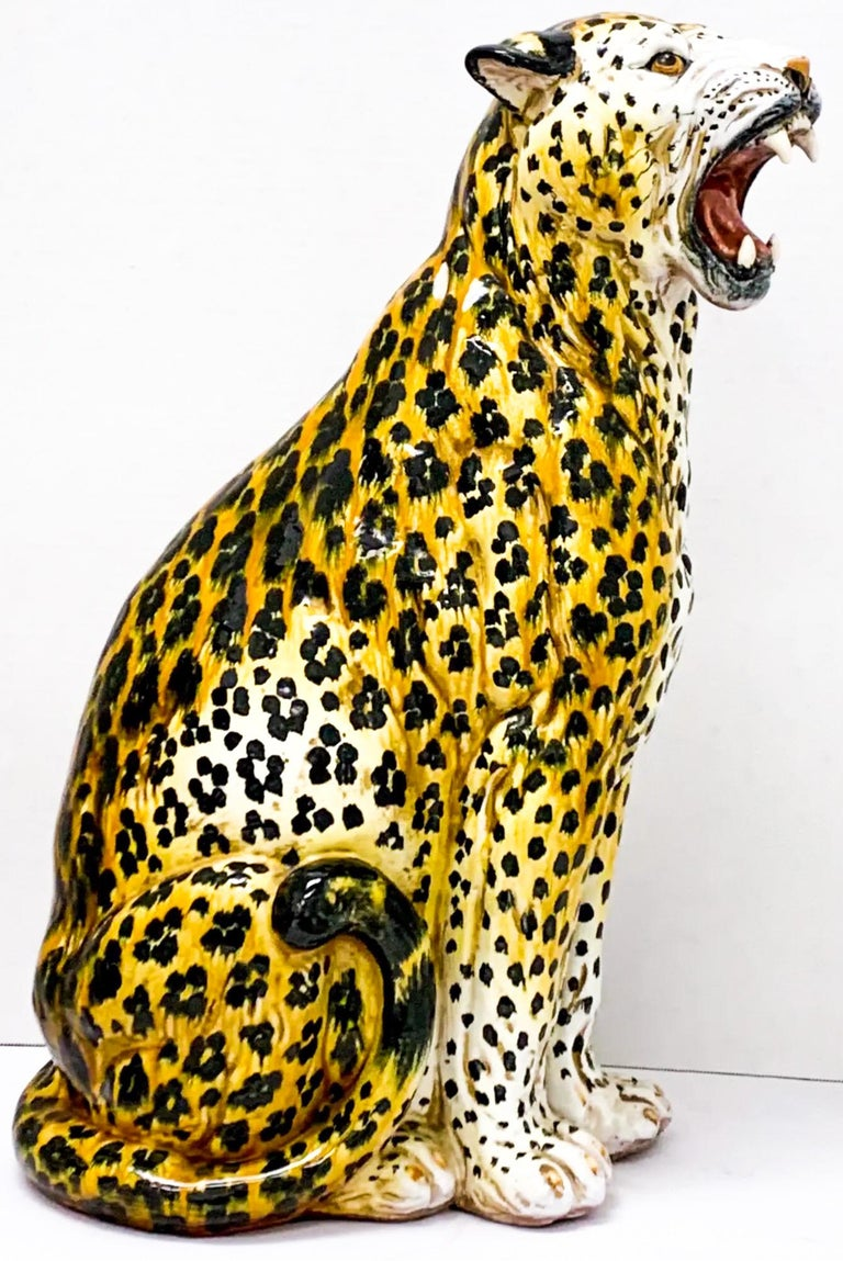 1960s Large Scale Hollywood Regency Era Italian Terracotta Leopard In Good Condition For Sale In Kennesaw, GA