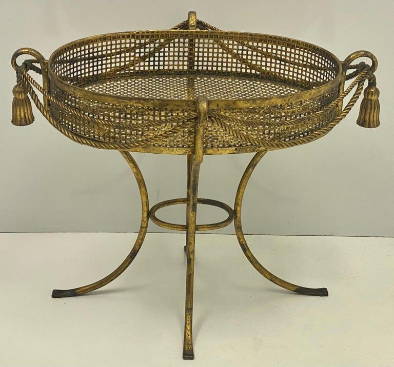 1960s Large Scale Italian Hollywood Regency Gilt Tassel Planter For Sale 1