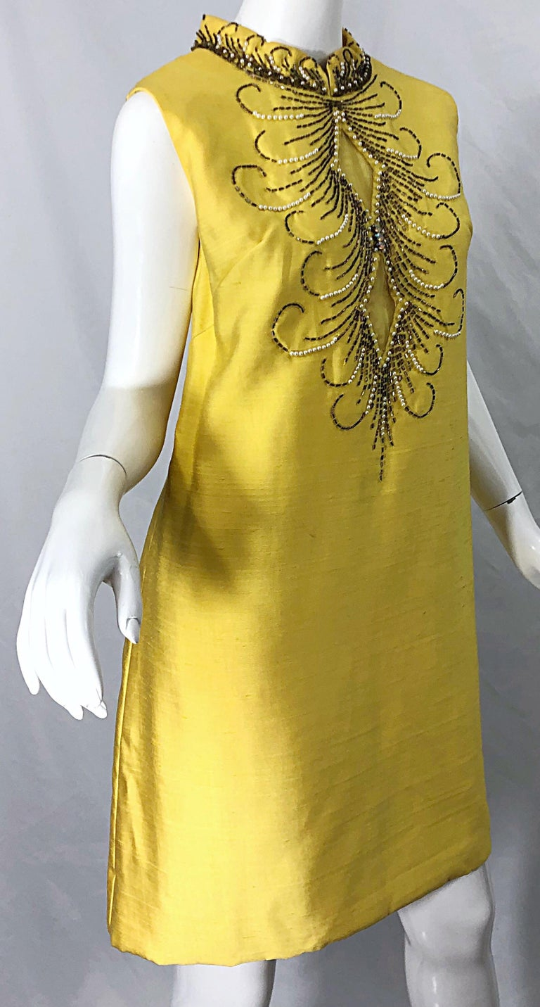 1960s Large size Yellow Beaded Rhinestone Silk Shantung Vintage 60s Shift Dress For Sale 7