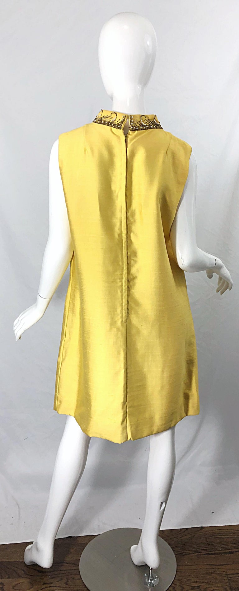 1960s Large size Yellow Beaded Rhinestone Silk Shantung Vintage 60s Shift Dress For Sale 9