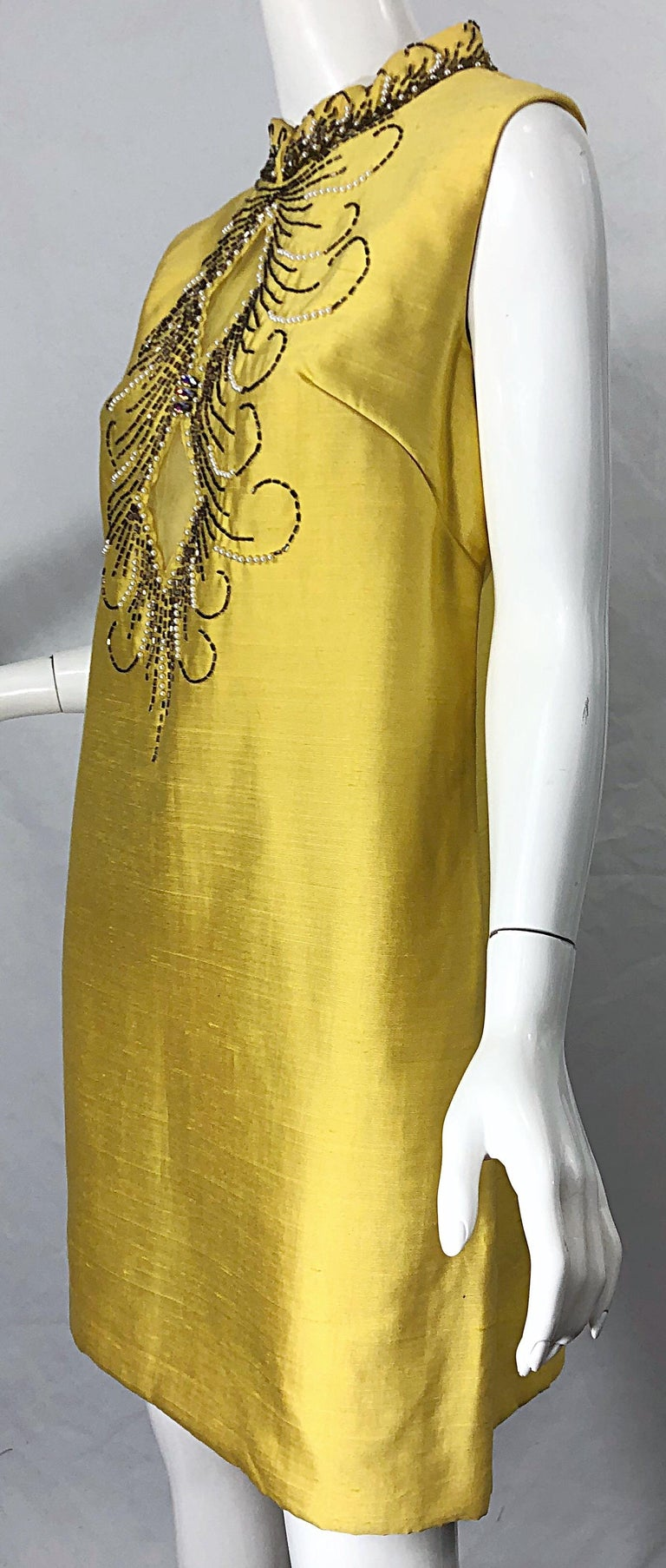 1960s Large size Yellow Beaded Rhinestone Silk Shantung Vintage 60s Shift Dress For Sale 10