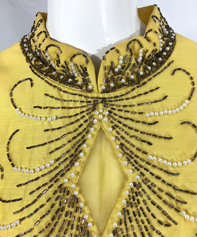1960s Large size Yellow Beaded Rhinestone Silk Shantung Vintage 60s Shift Dress In Excellent Condition For Sale In Chicago, IL