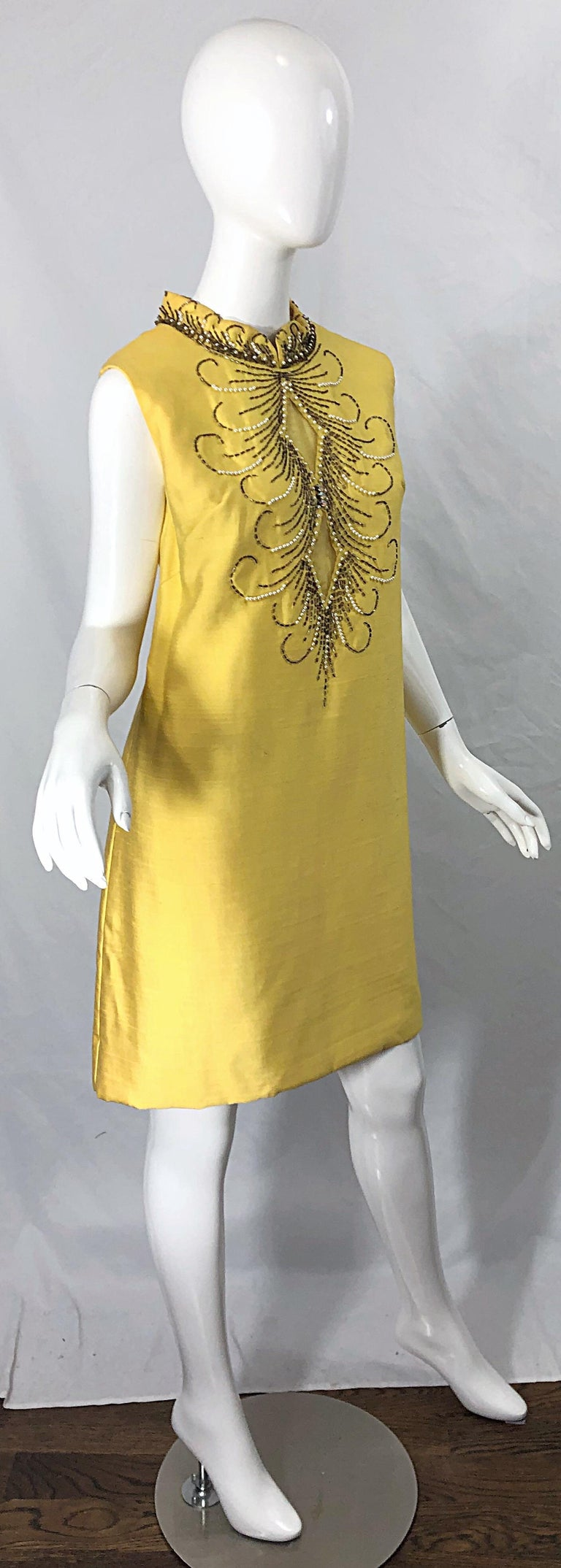 1960s Large size Yellow Beaded Rhinestone Silk Shantung Vintage 60s Shift Dress For Sale 5