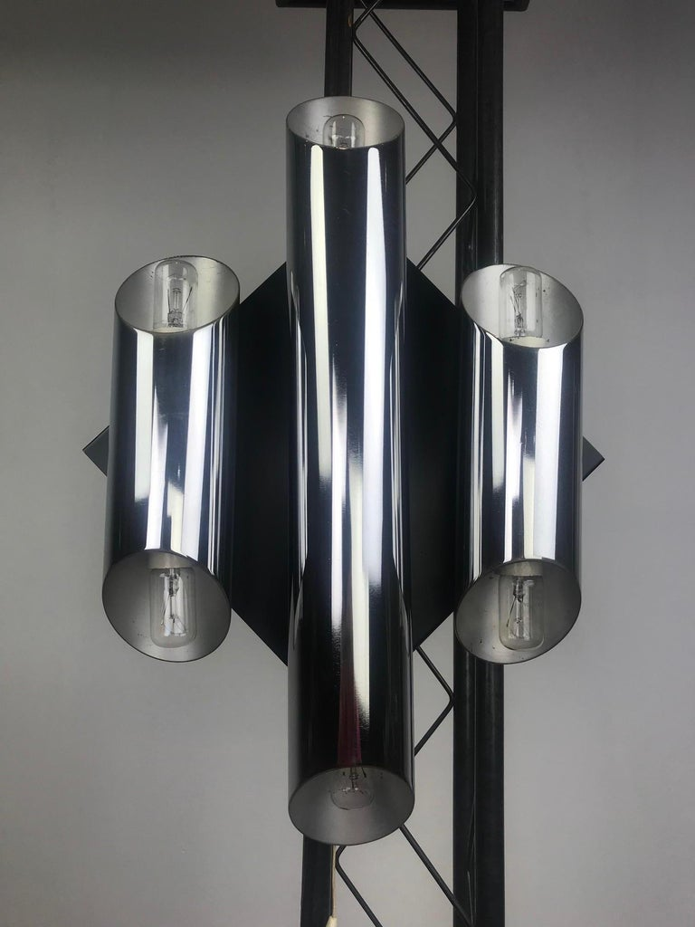 1960s Large Tubular Metal Wall Scone, Chromed Tubes on Black Lacquered Base For Sale 2