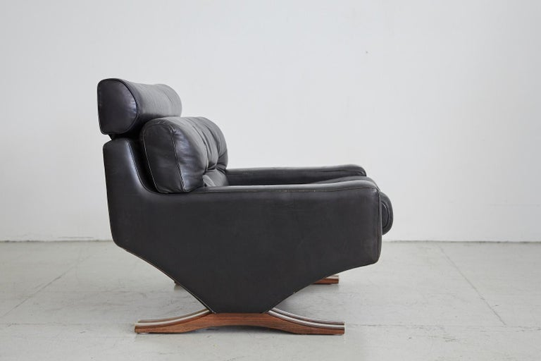 Italian 1960s Leather Armchair with Rosewood For Sale