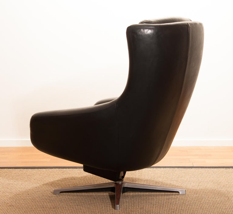 1960s, Leather Black Swivel Rocking Lounge Chair by Lennart Bender For Sale 5