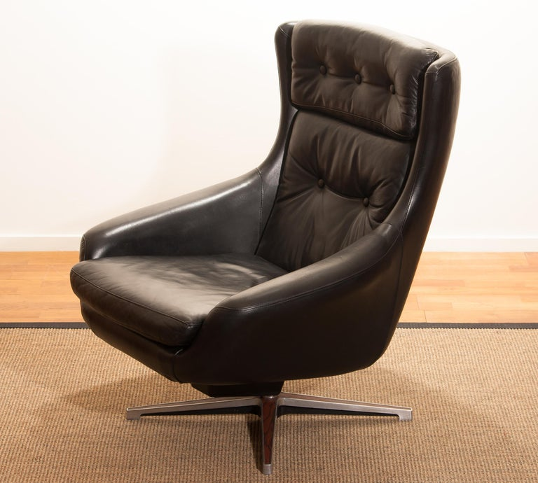 1960s, Leather Black Swivel Rocking Lounge Chair by Lennart Bender For Sale 7