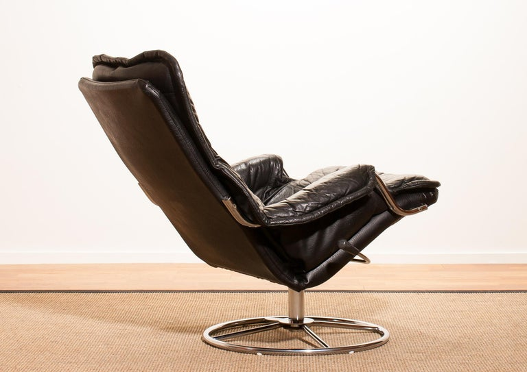 1960s, Leather Black Swivel Rocking Lounge Chair by Lennart Bender For Sale 1