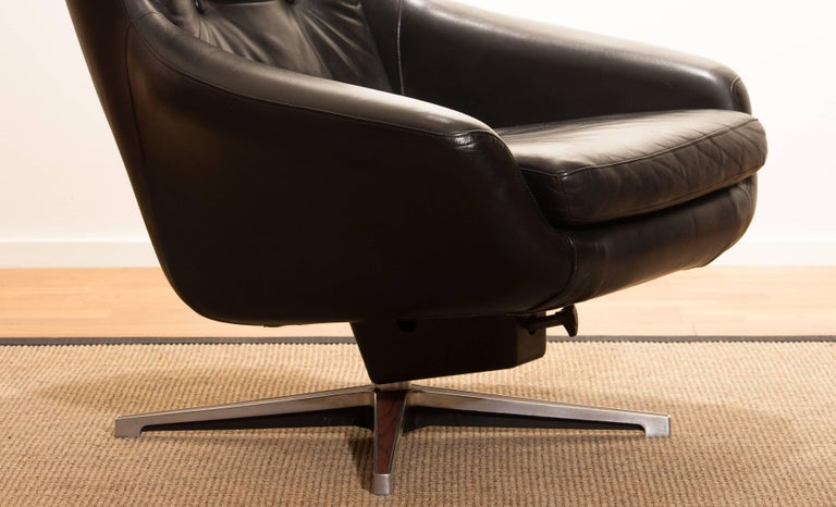 1960s, Leather Black Swivel Rocking Lounge Chair by Lennart Bender For Sale 2