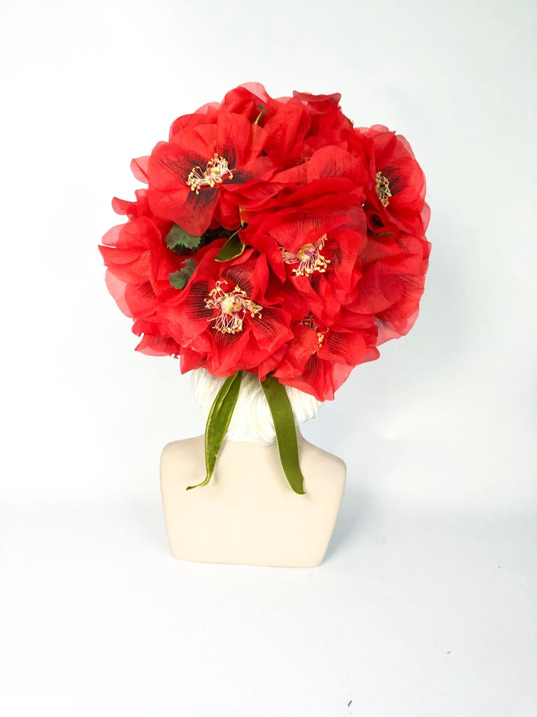 1960s Leslie James High-Fashion Floral Hat In Good Condition For Sale In San Francisco, CA