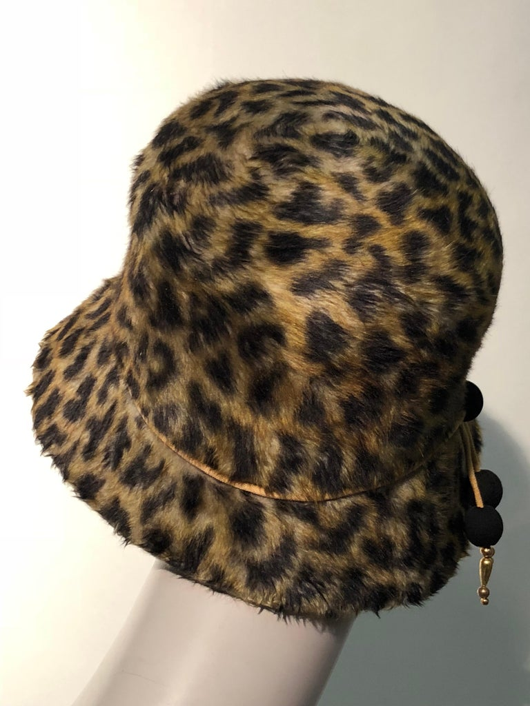 Black 1960s Leslie James Leopard Print Faux Fur Bucket Style Hat W/ Unique Beaded Band For Sale