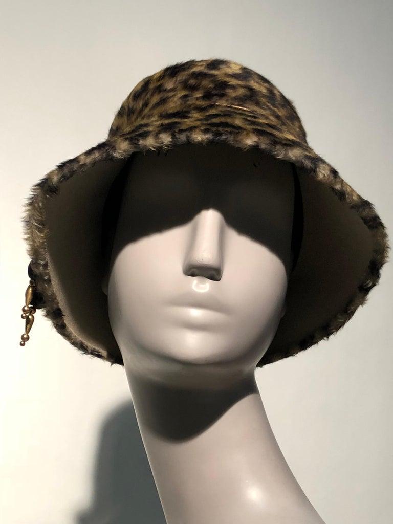 1960s Leslie James Leopard Print Faux Fur Bucket Style Hat W/ Unique Beaded Band For Sale 1