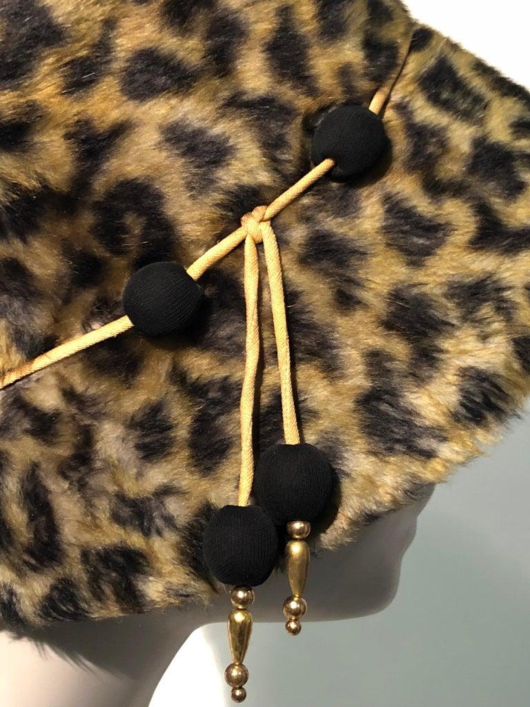 1960s Leslie James Leopard Print Faux Fur Bucket Style Hat W/ Unique Beaded Band For Sale 2