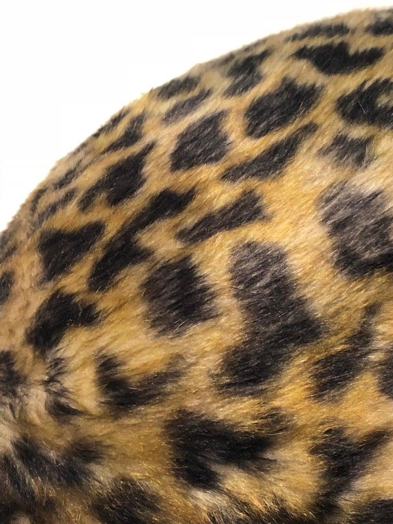 1960s Leslie James Leopard Print Faux Fur Bucket Style Hat W/ Unique Beaded Band For Sale 3