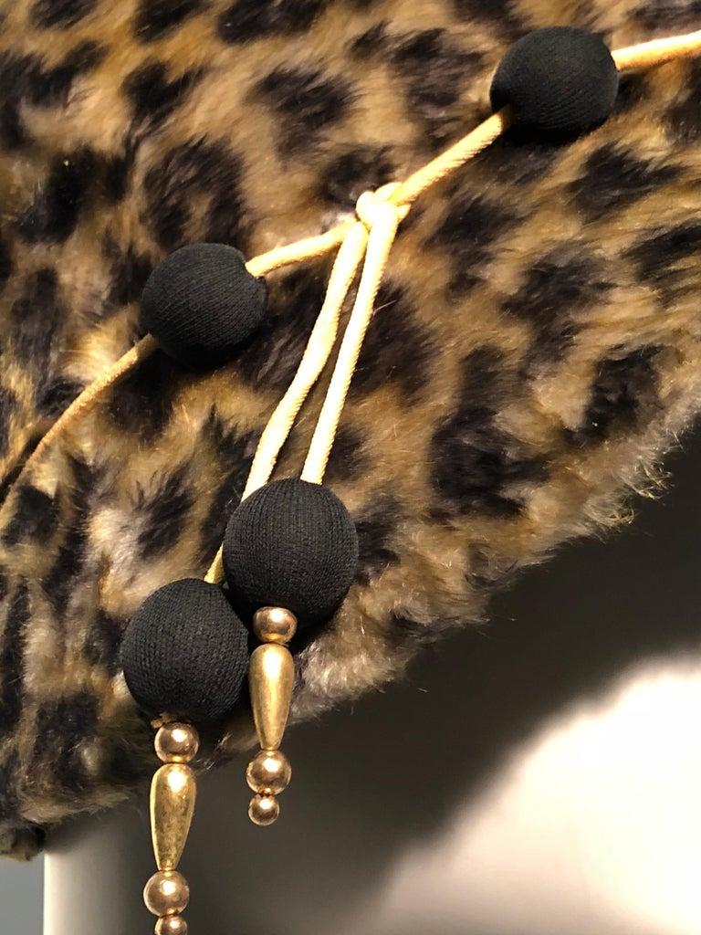 1960s Leslie James Leopard Print Faux Fur Bucket Style Hat W/ Unique Beaded Band For Sale 4