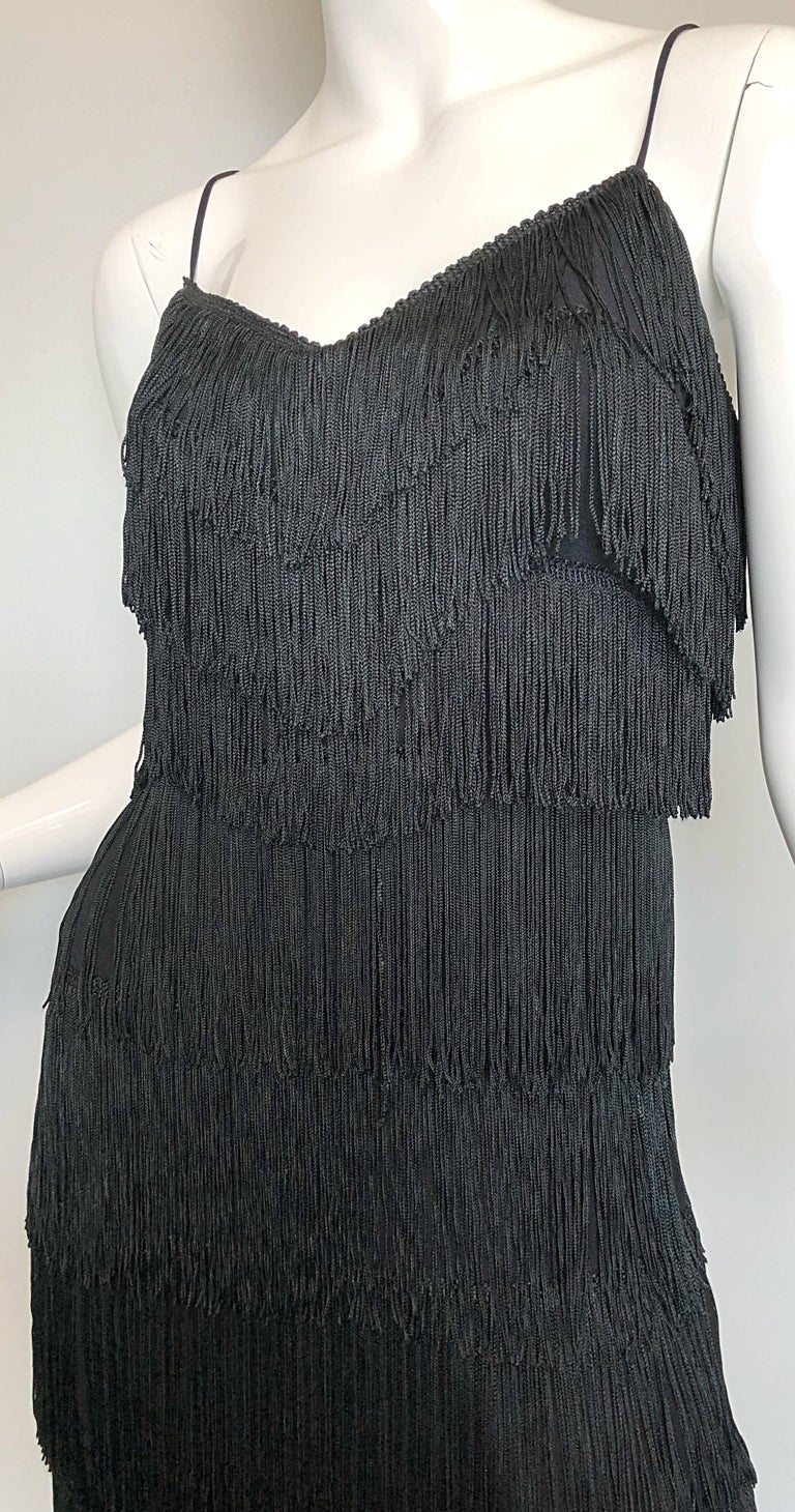 1970s Lilli Diamond Black Fully Fringed Vintage Flapper Style 70s Cocktail Dress In Excellent Condition For Sale In Chicago, IL