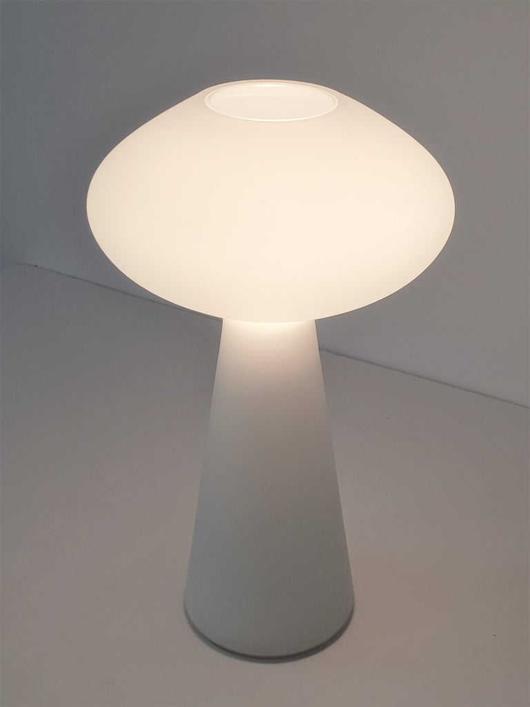 1960s Lisa Johansson-Pape Matte Opale Glass Table Lamp, Finland In Good Condition For Sale In St- Leonard, Quebec