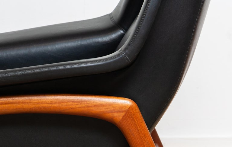 1960s, Lounge Chair 'Profil' by Folke Ohlsson for DUX in Black Leather and Teak 6