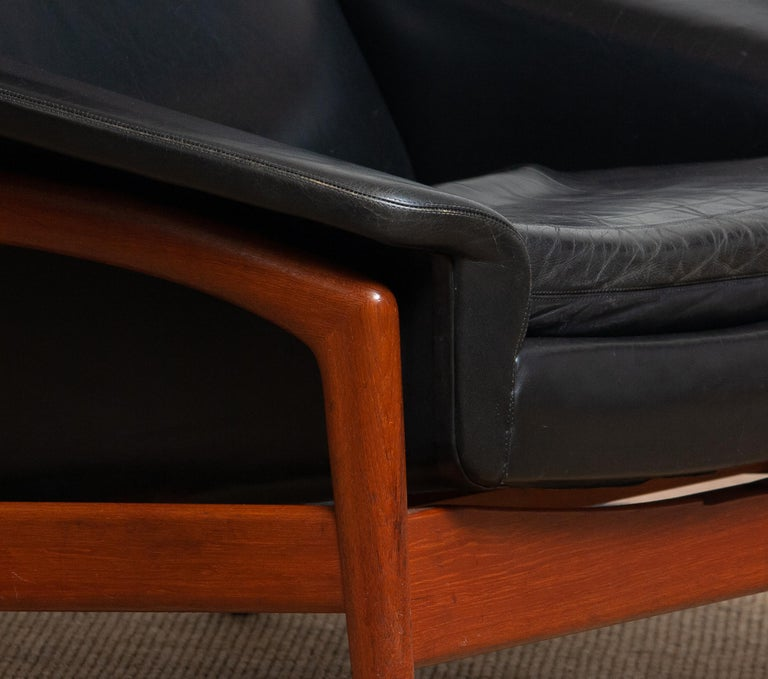 Scandinavian Modern 1960s, Lounge Chair 'Profil' by Folke Ohlsson for DUX in Black Leather and Teak