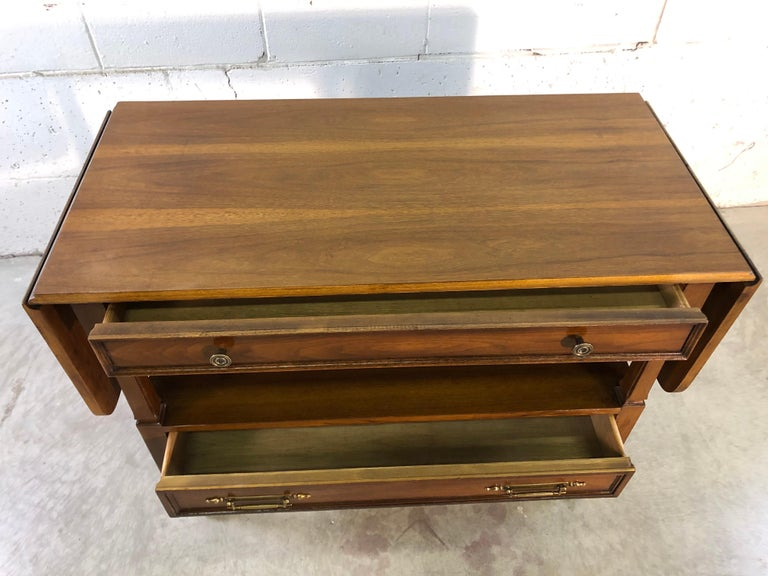 1960s Mahogany Wood Rolling Serving Cart In Good Condition For Sale In Amherst, NH