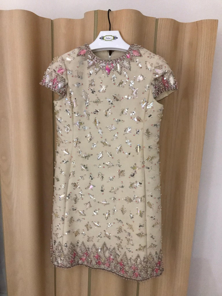 1960s  Malcolm Starr Creme Embellished Shift Dress In Good Condition For Sale In Beverly Hills, CA