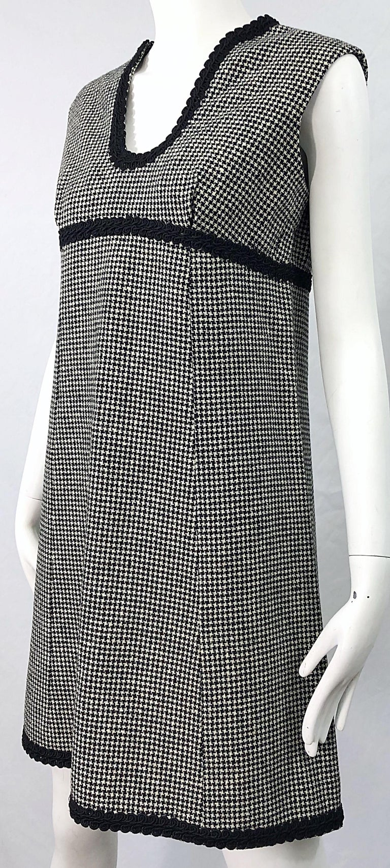 1960s Mamselle by Betty Carol Black and White Houndstooth Wool 60s A Line Dress For Sale 6